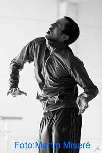 Interview with dancer Douglas Bateman about architecture, dance and music